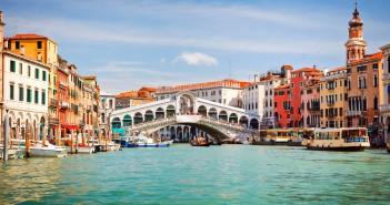 Italy_Venice_GrandCanal_RialtoBridge_001_XTS